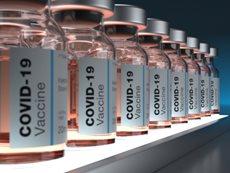 """Campagna vaccinale, Figliuolo: """"coinvolgere maggiormente farmacie e medici di base"""""""