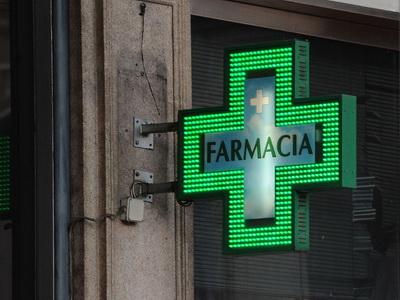 Vaccini in farmacia, al via in Abruzzo. Anche Reggio Calabria operativa dalla settimana prossima