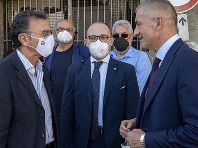 """Costa (Sottosegretario alla Salute) in visita a Salerno: """"Farmacie punto di riferimento per le comunità locali"""""""